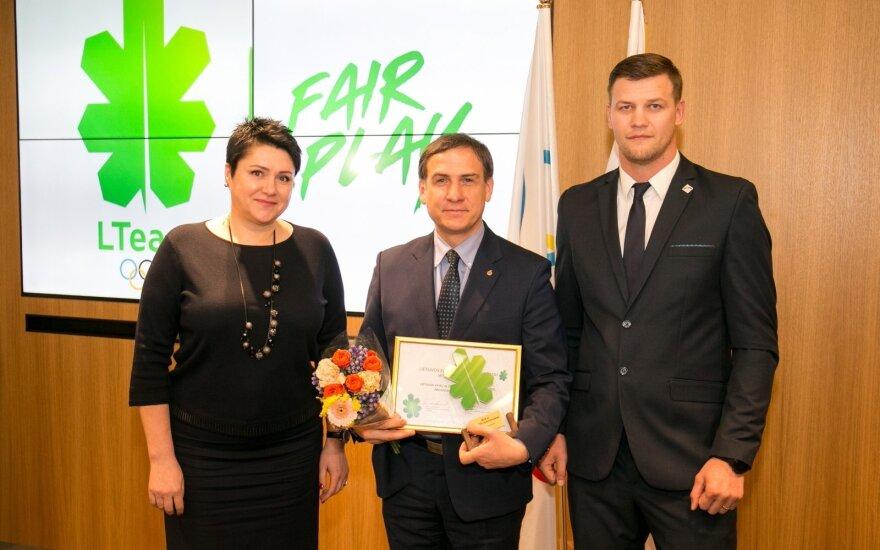 Vytautas Vaškūnas (viduryje)