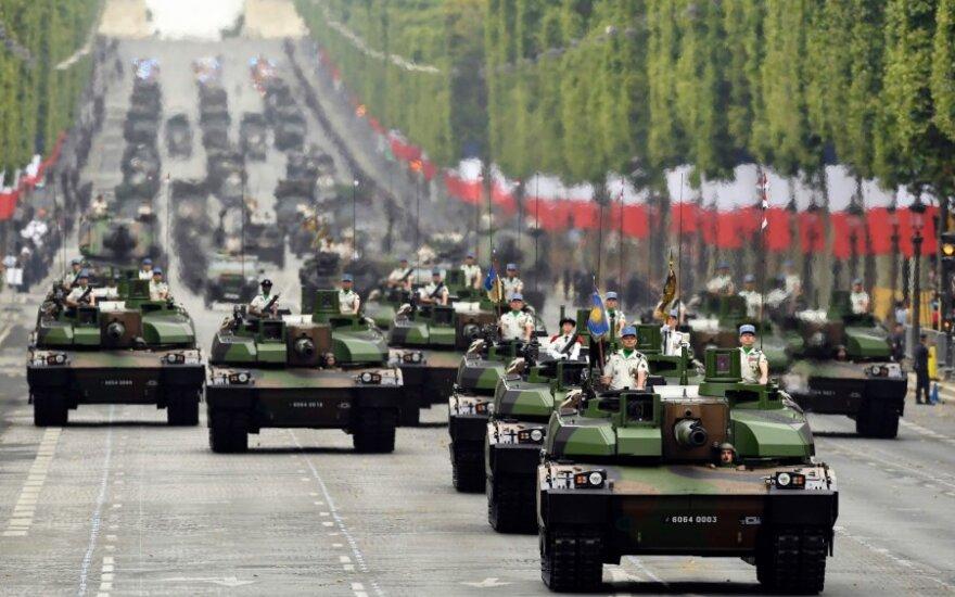 Prancūzų tankai Bastilijos dienos parade
