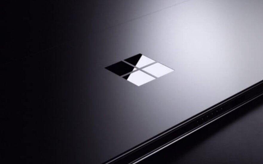 """""""Microsoft"""" galimai planuoja išleisti lankstomą """"Surface"""" prietaisą"""