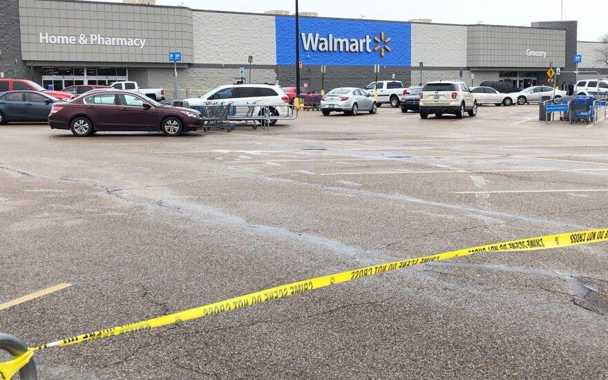 Arkanzase per šaudynes parduotuvėje nukautas užpuolikas ir sužeisti du policininkai