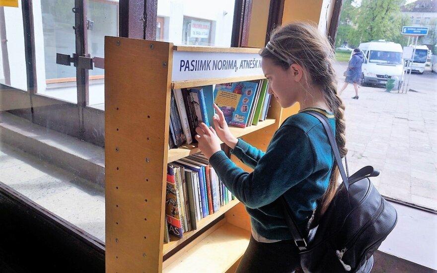 Bibliotekėlė Panevėžio autobusų stotyje
