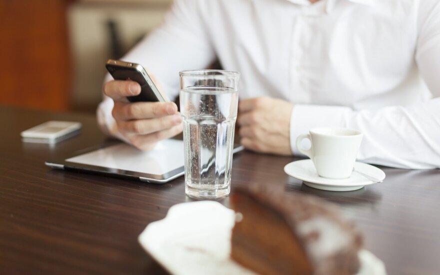 Paskelbus karantiną, išaugo ryšio tinklų apkrovos: tiekėjai žada srautų neriboti