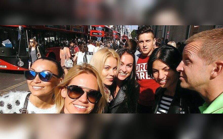 """Lietuvos dainininkų desantas Londone sudrebino """"Didžiąsias Jonines 2015 UK"""""""