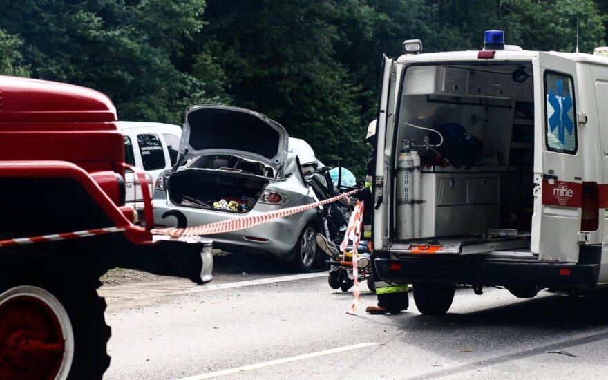Žiauri avarija greitkelyje netoli Kauno: eismas paralyžiuotas