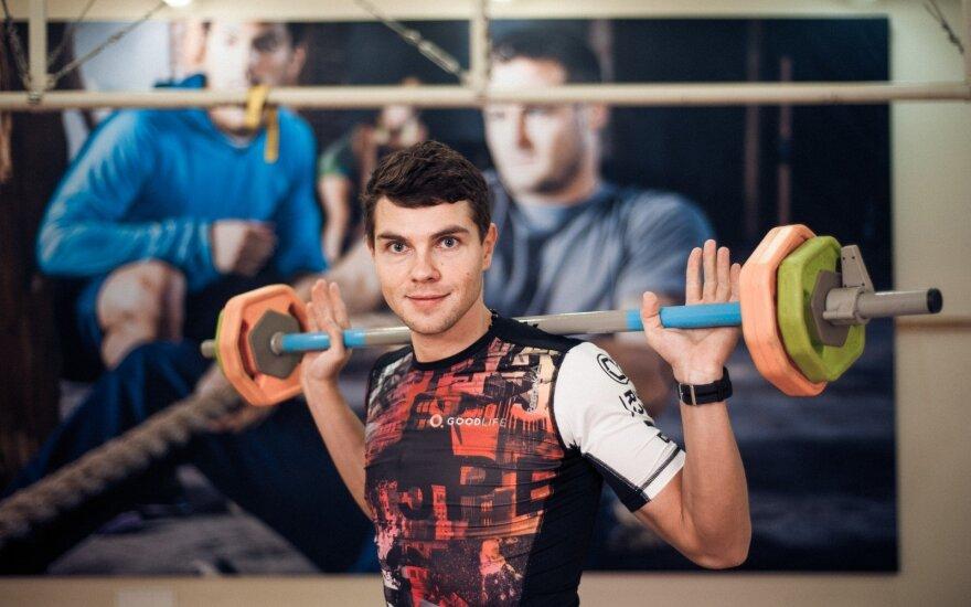 Kuo intervalinės treniruotės pranašesnės už įprastas jėgos ar kardio treniruotes
