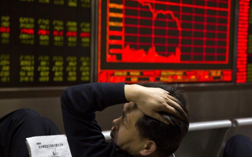 """""""Biržos laikmatis"""": Azijos rinkos atšoko, krenta naftos kaina"""