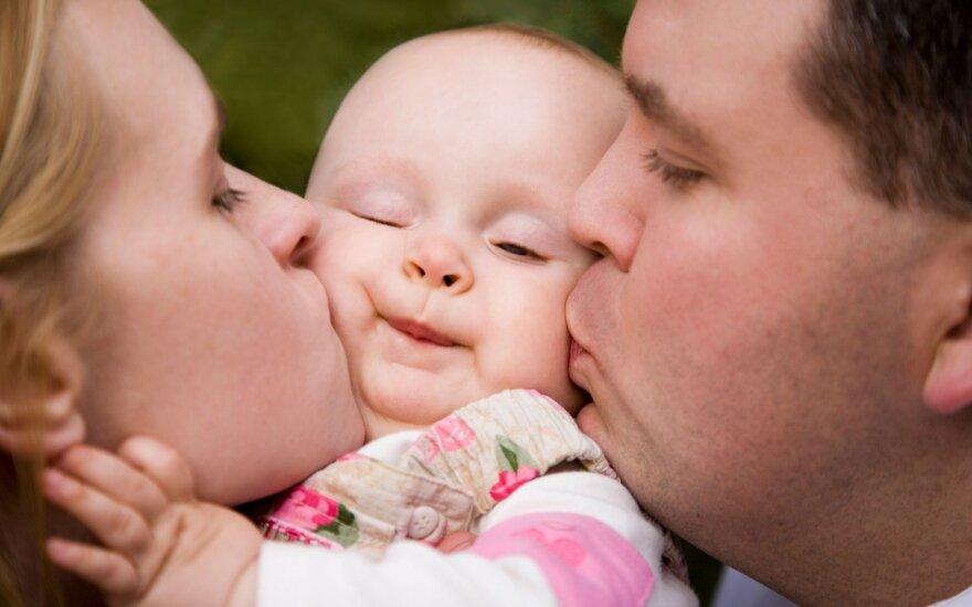 Mokslininkai aiškina, kokius genus paveldime iš motinos, o kokius – iš tėvo