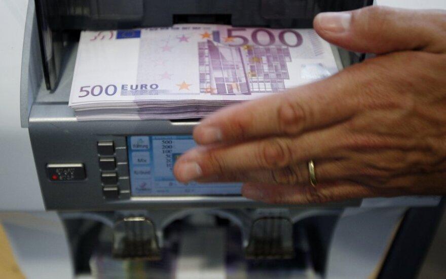 Prieš vestuvių šventę – rūpesčiai banke, paploninę piniginę