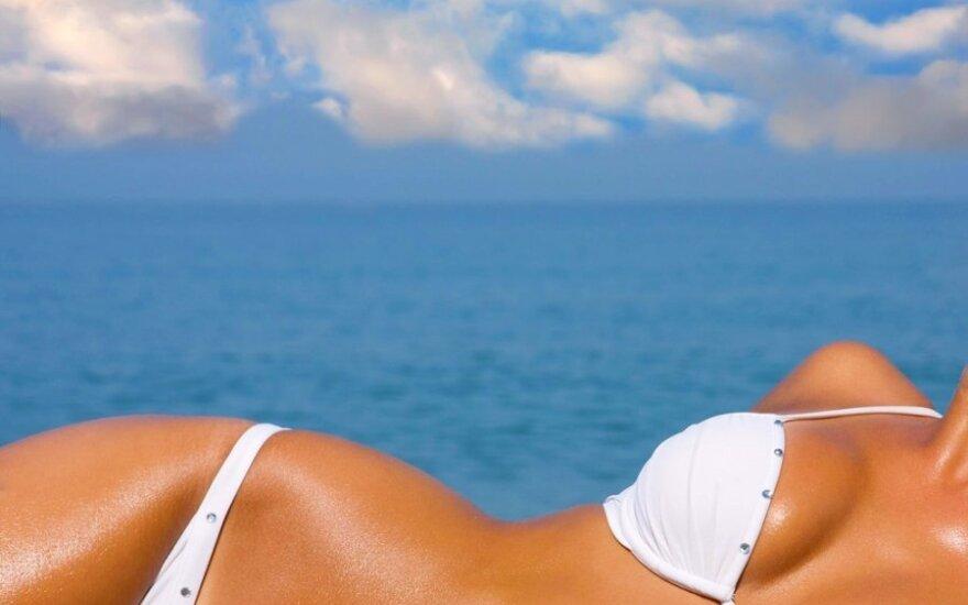 Ruoškis vasarai: pratimai krūtinei padailinti