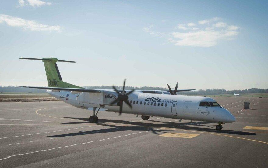 """Pirmą metų pusmetį """"airBaltic"""" pajamos augo 19 proc."""