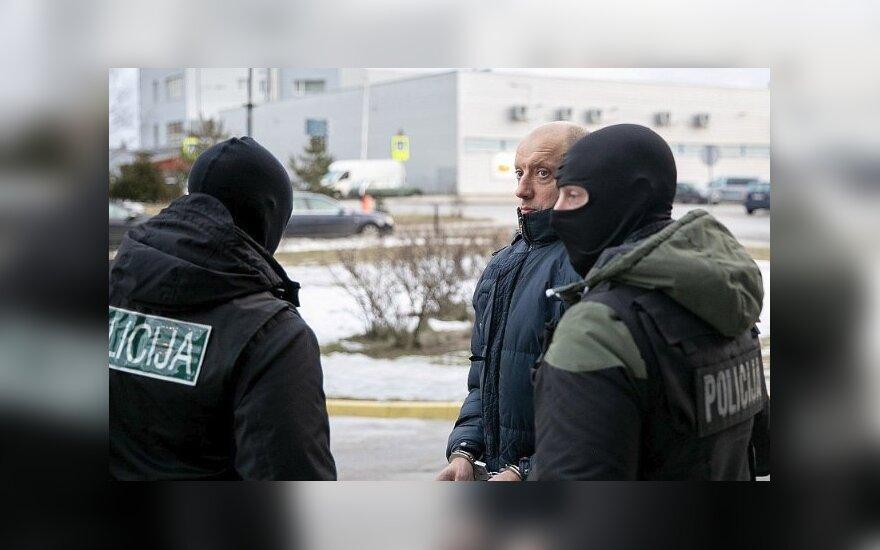 Teisėjų korupcijos byla: į teismą atvestas advokatas Navickas