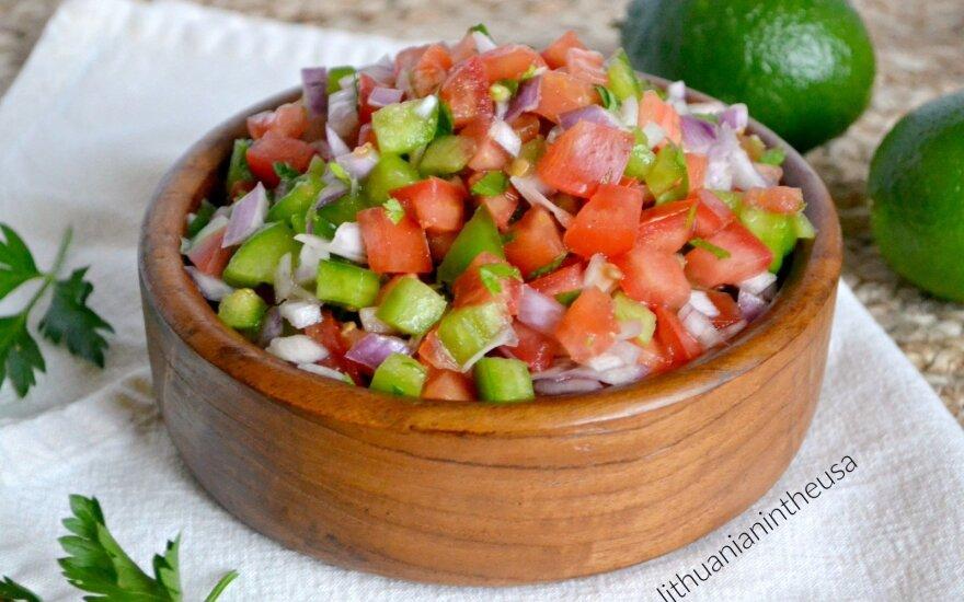 Meksikietiškos pomidorų salotos