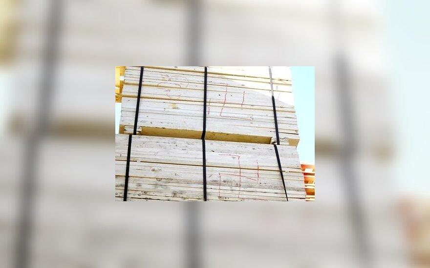 Lietuva apgailestauja dėl svastikų ant medienos siuntos