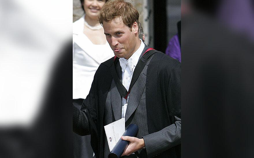 Princas Williamas gavo universiteto baigimo diplomą