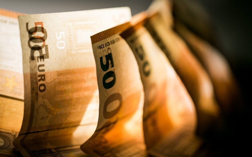 Investuotojai vertino bendrovių ketvirčio rezultatus