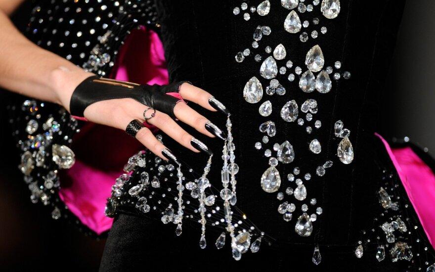 Niujorko mados savaitėje atgarsį sukėlė ekstravagantiška nagų dizaino kolekcija