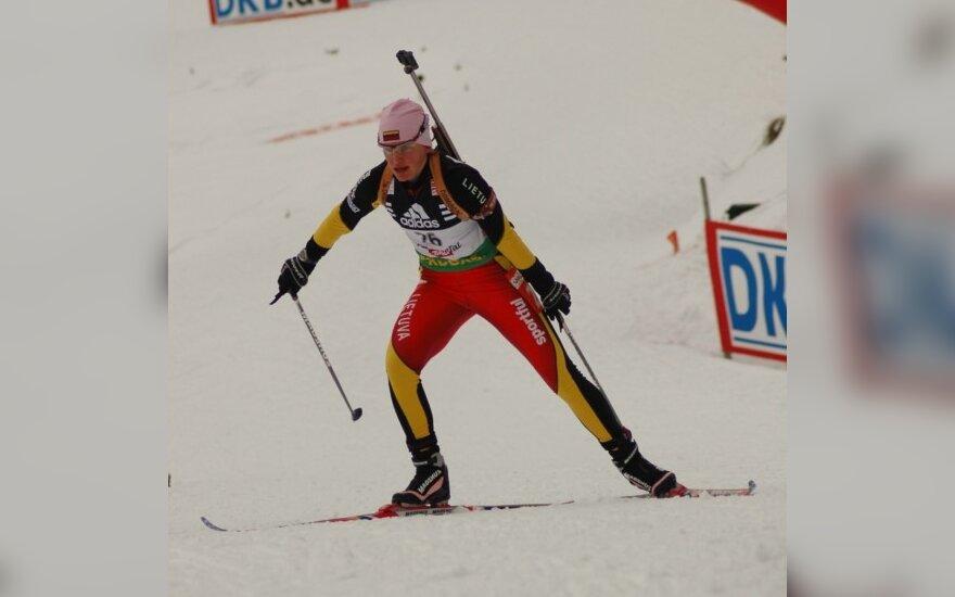 Pasaulio biatlono čempionate Lietuvos garbę gins tik D.Rasimovičiūtė