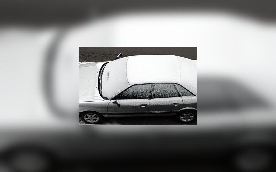 Atšalus orui automobilių neužvedė keturiskart daugiau vairuotojų