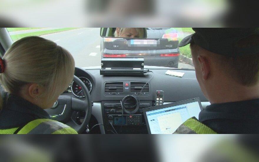 Policijos reidai: beveik 2 tūkst. vairuotojų patuštins pinigines dėl greičio viršijimo