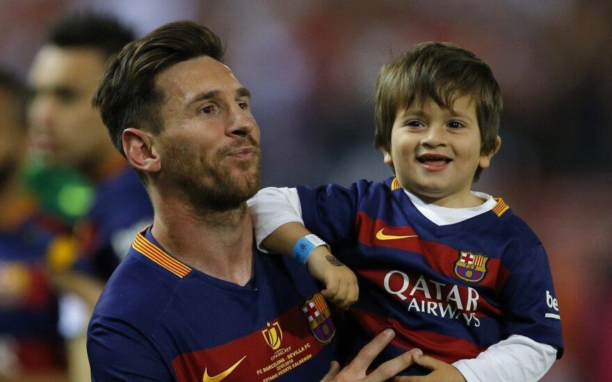 Lionelis Messi su sūnumi