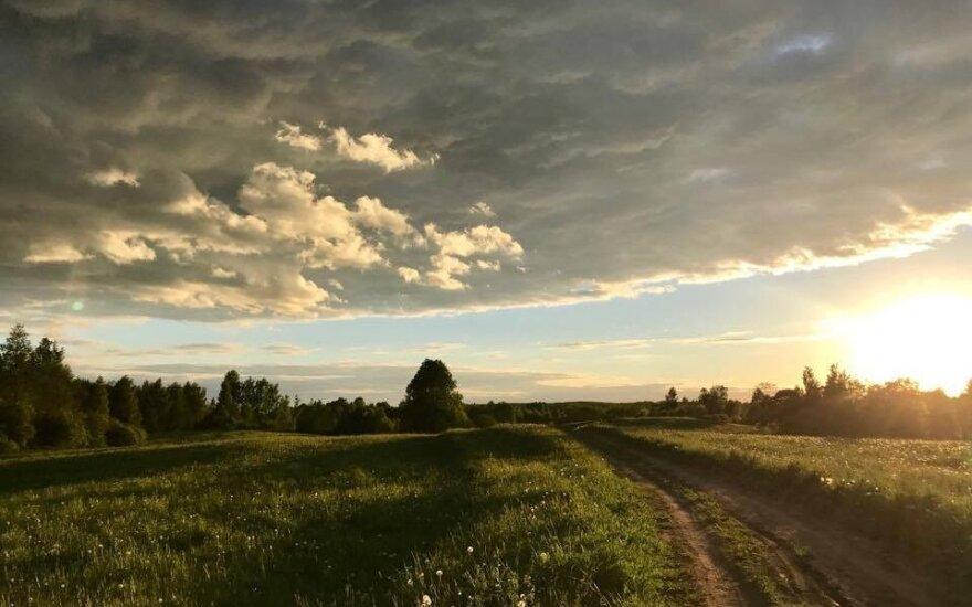 Orų prognozė: saulę paslėps debesys