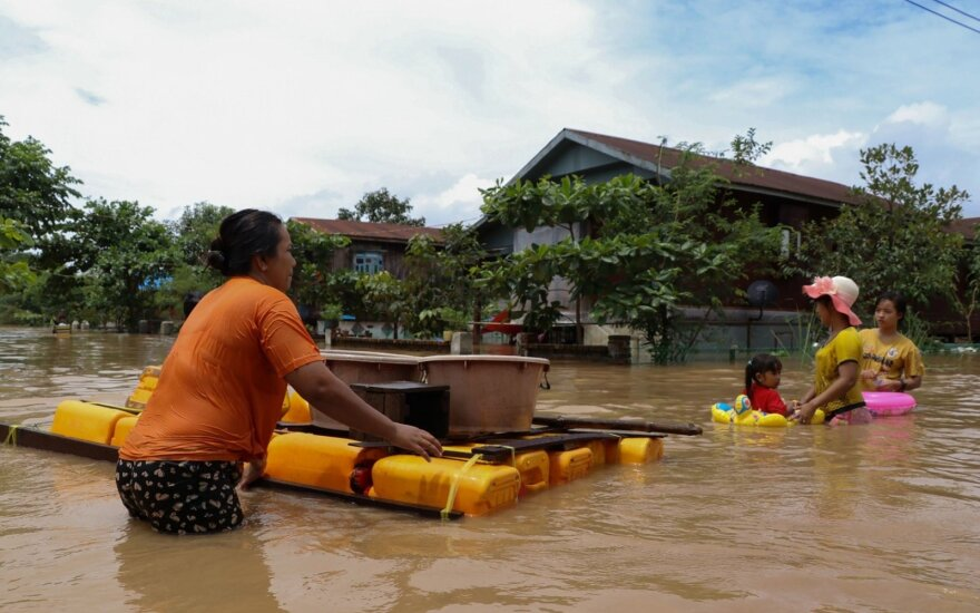 Mianmare dėl potvynių evakuota beveik 120 tūkst. gyventojų