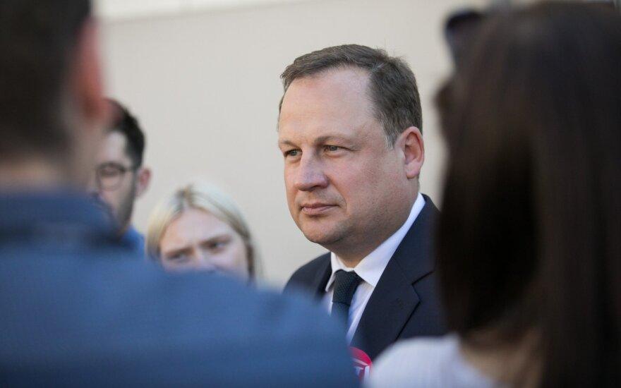 Į teismą Lietuvos valstybę padavęs generalinis prokuroras teigia prieš ją nekovojantis