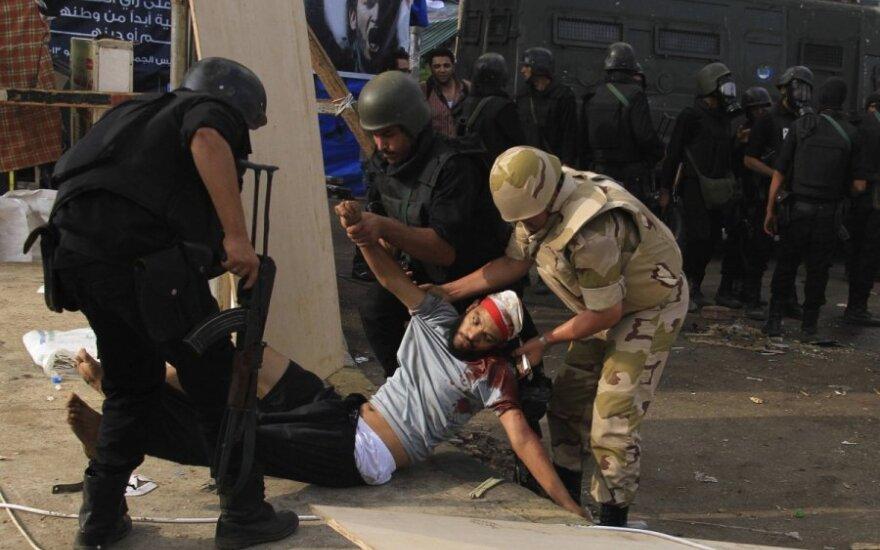 Kruvinos dienos Egipte: žuvo daugiau kaip 600 žmonių