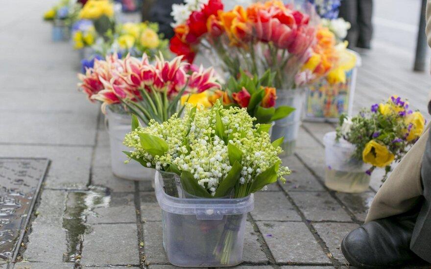 Susitikimas su drauge atskleidė nemalonią paslaptį: jei be priežasties gaunate gėlių, priežastis yra