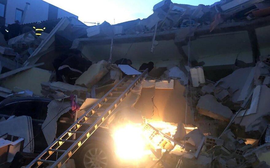 Albanijoje baigiama paieškos operacija po 49 gyvybių pareikalavusio žemės drebėjimo