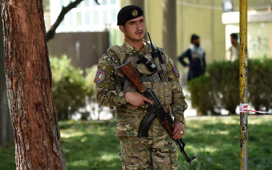 Afganistano valdžia pirmą kartą įsakė policijai šaudyti į ginkluotus nusikaltėlius