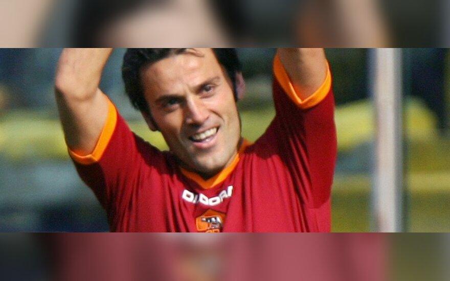 """Vincenzo Montella pats žaidė """"Roma"""" klube"""