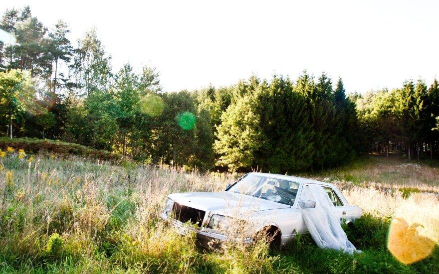 Ar žinojote, kas nutinka su iš seno automobilio susidariusiomis atliekomis?