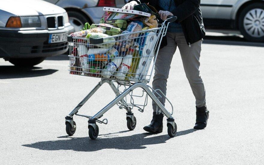 Ekonomistai: prekyba šiemet neatsigaus, prasta vasara laukia paslaugų sektoriaus