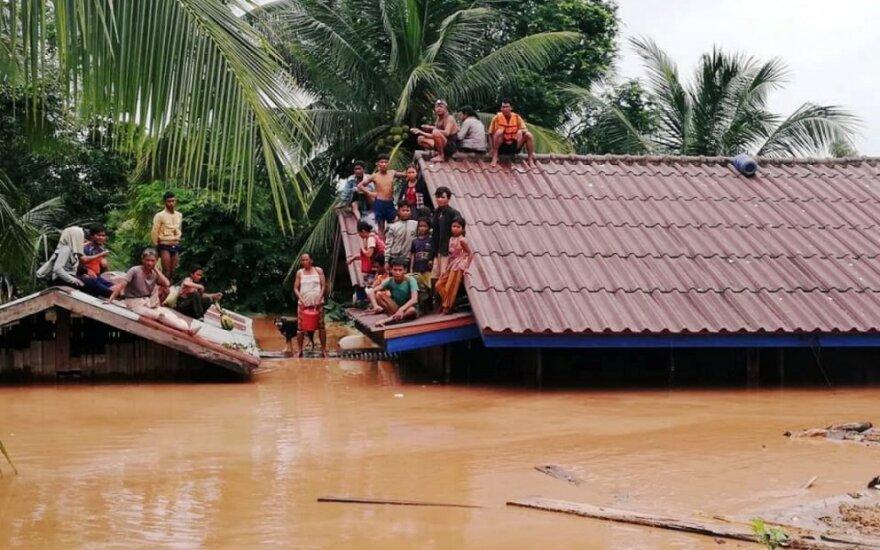 Laosas po užtvankos griūties