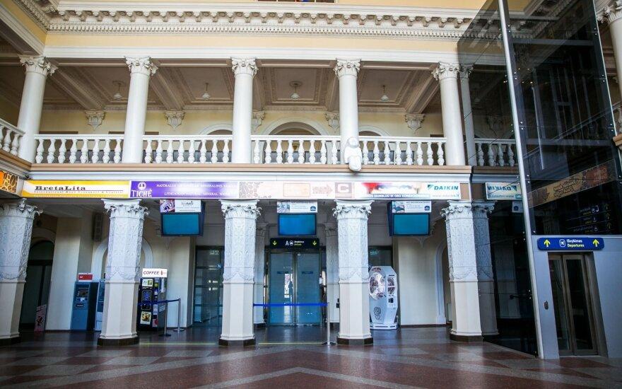 Apvogtas vyras: iš krepšio, priduoto Vilniaus oro uoste, dingo 9,5 tūkst. eurų