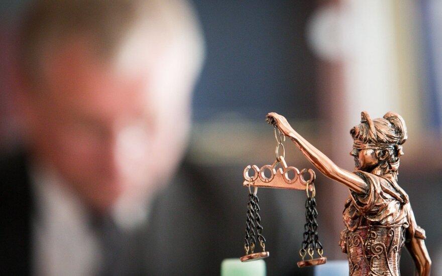 Kyšininkavimu kaltinami teisėjai ieško užuojautos: tokios situacijos net priešui nelinkėtum