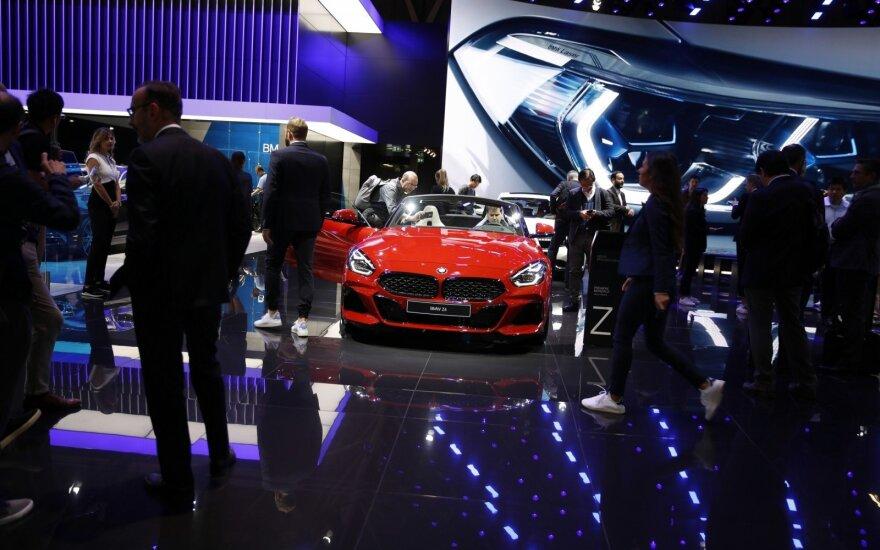 BMW Paryžiaus automobilių parodoje