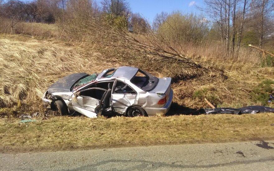 Baisi avarija Švenčionių rajone: du jauni vyrai žuvo, du sužaloti
