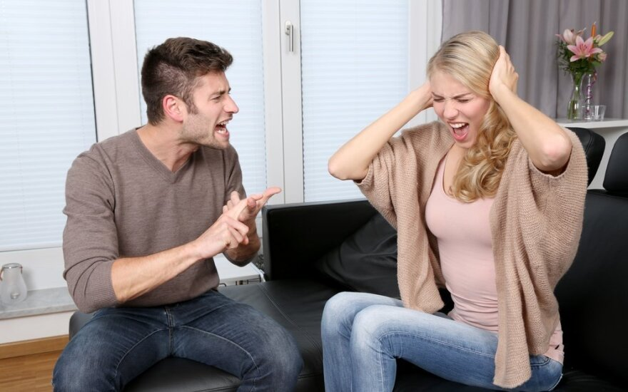 Santuokos pabaiga: kodėl potraukis pavirsta pasibjaurėjimu ir kaip to išvengti?