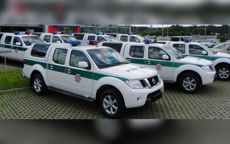 """Policijos """"Nissan Navara"""" pikapai"""