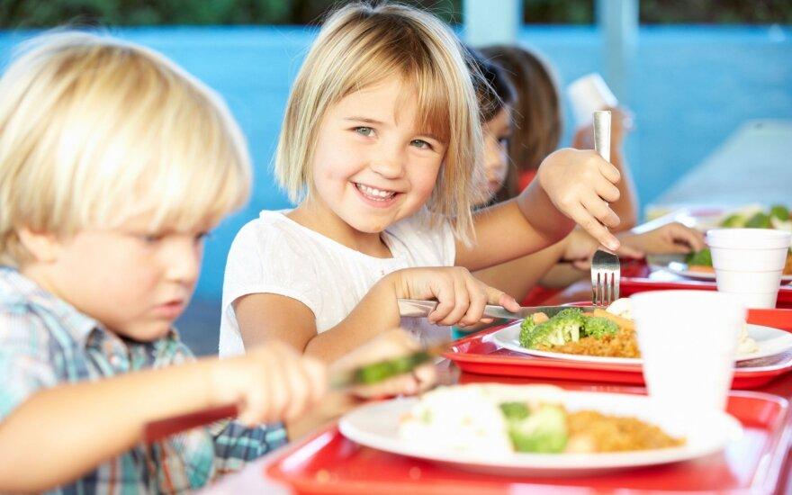 Nuo kitų mokslo metų dalis mokinių gaus nemokamą maitinimą