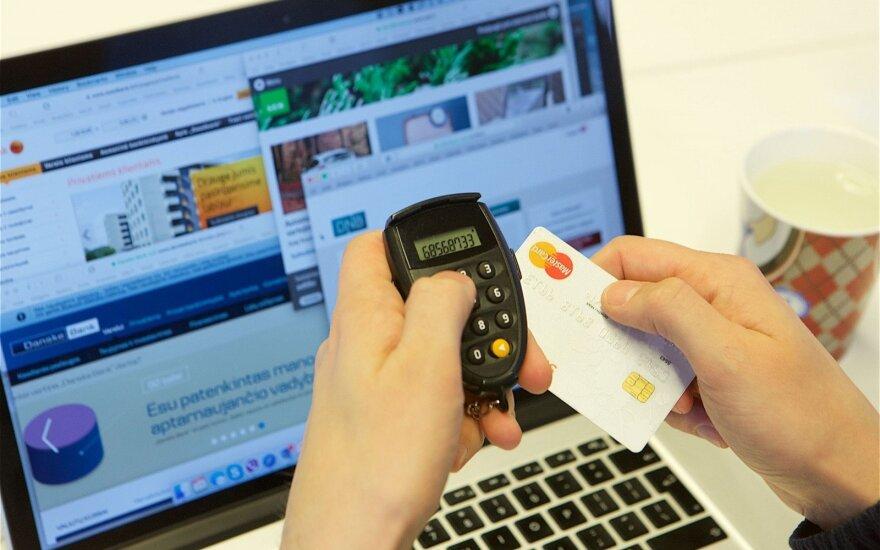 Neužkibkite: kaip pažinti padirbtas parduotuves internete
