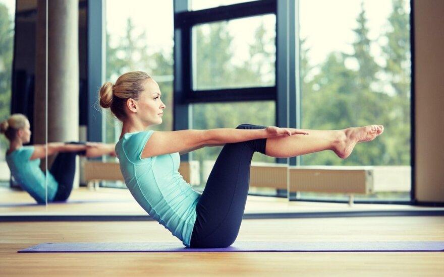 Aktualiausia šiandien: treniruotė pilvui iš šonams