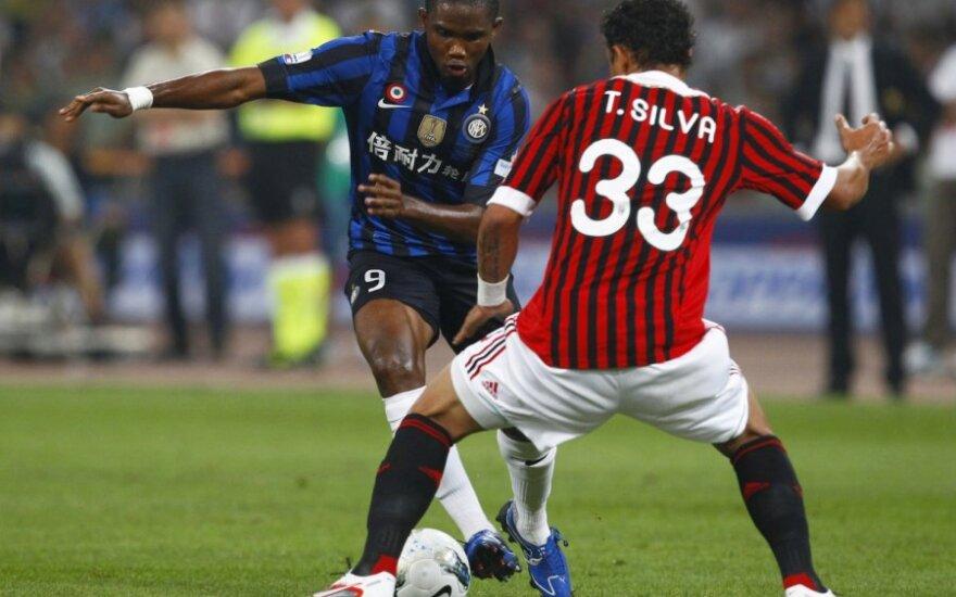 """Samuelis Eto'o (""""Inter"""") ir Thiago Silva (""""AC Milan"""")"""