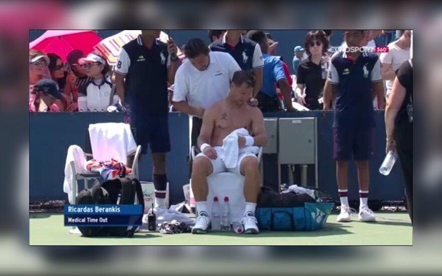 """Nesėkmė """"US Open"""" turnyre: dešimt geimų iš eilės pralaimėjęs Berankis atsisakė tęsti mačą"""