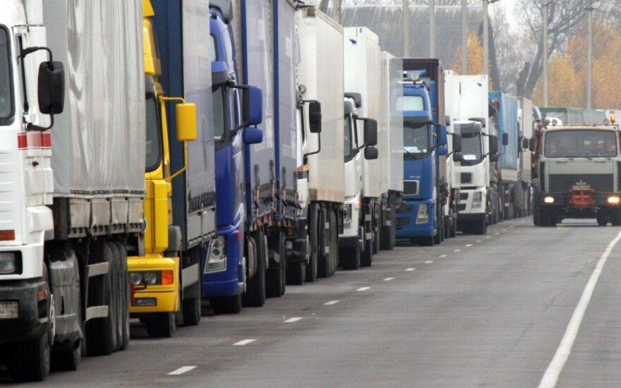 Dėl eilių Baltarusijos pasienyje - transporto spūstys