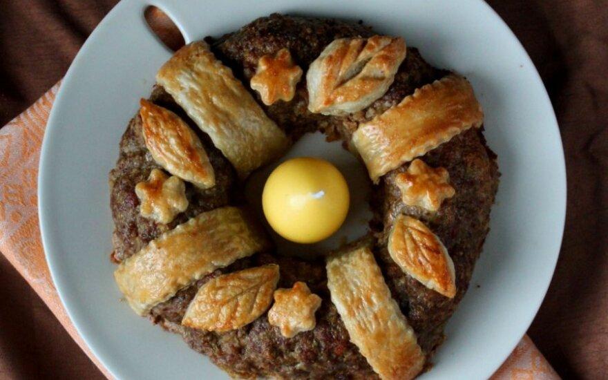 Mėsos žiedas su putpelių kiaušiniais
