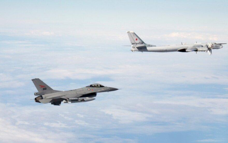 NATO lėktuvai perėmė Rusijos bombonešius