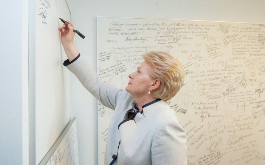 """D. Grybauskaitės """"juodasis sąrašas"""" pildosi naujomis pavardėmis"""